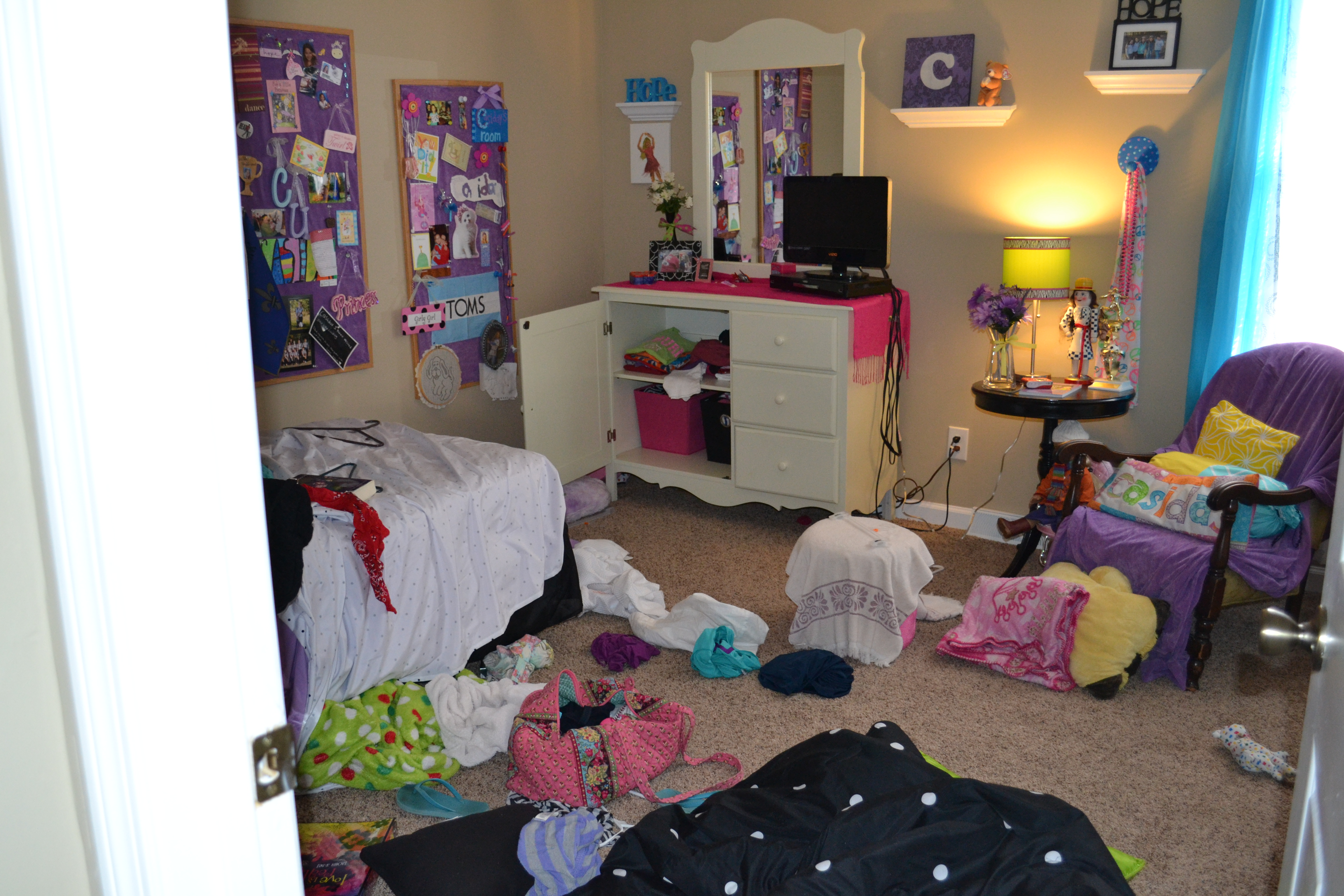 girl bedroom messy images